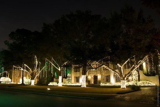Как американцы украшают дома к Рождественским праздникам