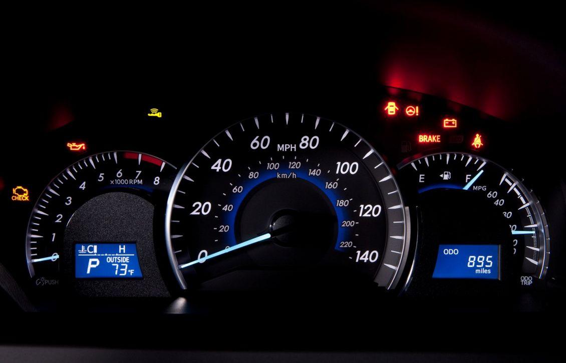 Toyota Camry 2012-8