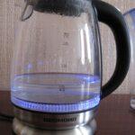 Нужен надежный стеклянный чайник с подсветкой — бери Redmond, не ошибёшься!