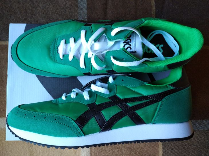 Ярко-зелёные мужские кроссовки ASICS Tarther Og